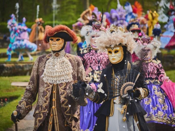 Les costumes de Venie aux jardins d'annevoie 2017 – 120 mm – Les costumes de Venise aux jardins d annevoie 2017 NIKON D800E 120 mm 42117 – avr. 30 2017 – NIKON D800E