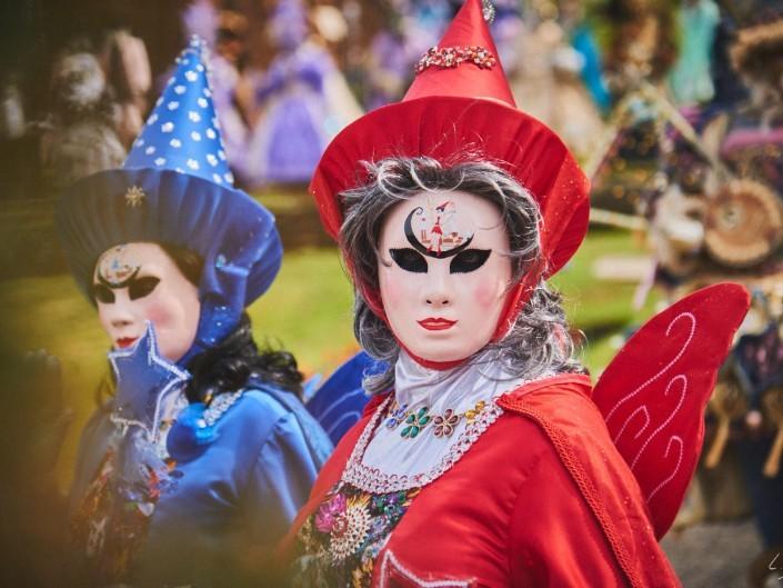 Les costumes de Venie aux jardins d'annevoie 2017 – 120 mm – Les costumes de Venise aux jardins d annevoie 2017 NIKON D800E 120 mm 42136 – avr. 30 2017 – NIKON D800E