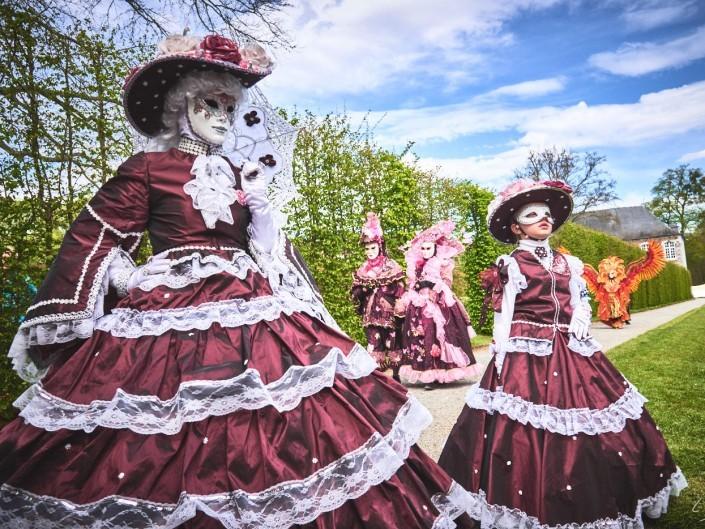 Les costumes de Venie aux jardins d'annevoie 2017 – 28 mm – Les costumes de Venise aux jardins d annevoie 2017 NIKON D800E 28 mm 7.12284 – avr. 30 2017 – NIKON D800E
