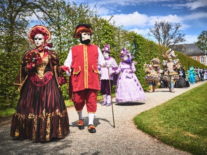 Les costumes de Venie aux jardins d'annevoie 2017 – 35 mm – Les costumes de Venise aux jardins d annevoie 2017 NIKON D800E 35 mm 5.62434 – avr. 30 2017 – NIKON D800E