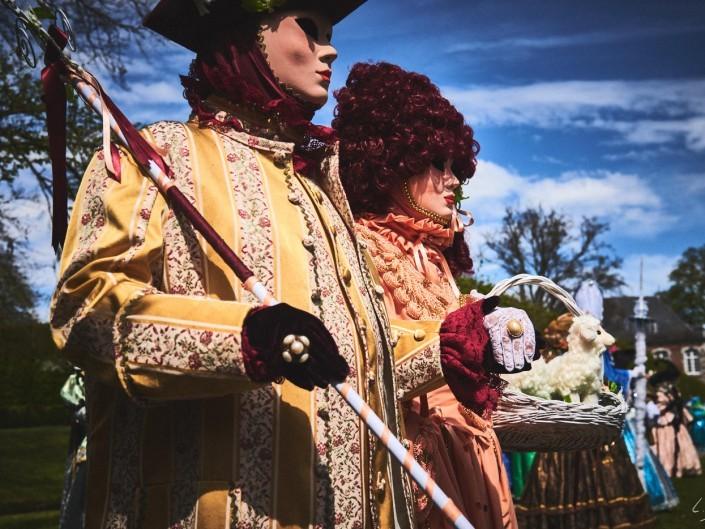 Les costumes de Venie aux jardins d'annevoie 2017 – 40 mm – Les costumes de Venise aux jardins d annevoie 2017 NIKON D800E 40 mm 5.62472 – avr. 30 2017 – NIKON D800E