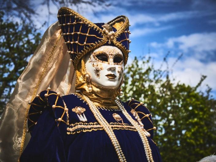 Les costumes de Venie aux jardins d'annevoie 2017 – 75 mm – Les costumes de Venise aux jardins d annevoie 2017 NIKON D800E 75 mm 5.62498 – avr. 30 2017 – NIKON D800E