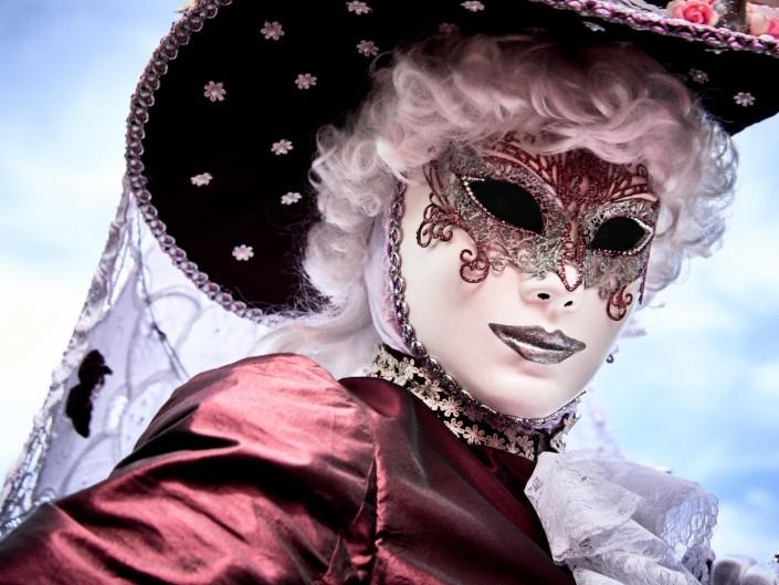 Les costumes de Venie aux jardins d'annevoie 2017 – 75 mm – Les costumes de Venise aux jardins d annevoie 2017 NIKON D800E 75 mm 7.12280 – avr. 30 2017 – NIKON D800E