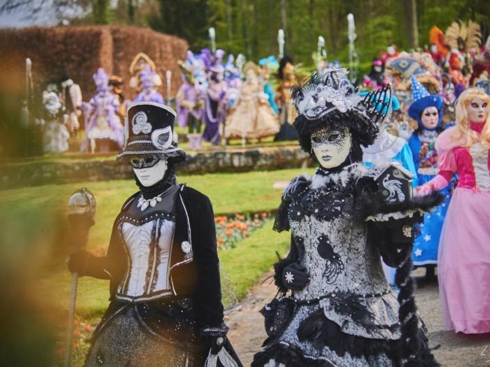 Les costumes de Venie aux jardins d'annevoie 2017 – 78 mm – Les costumes de Venise aux jardins d annevoie 2017 NIKON D800E 78 mm 42142 – avr. 30 2017 – NIKON D800E