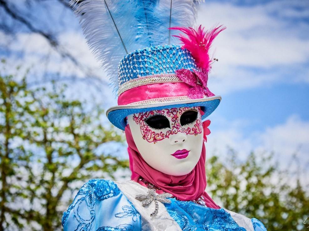 Les costumes de Venie aux jardins d'annevoie 2017 – 78 mm – Les costumes de Venise aux jardins d annevoie 2017 NIKON D800E 78 mm 5.62564 – avr. 30 2017 – NIKON D800E