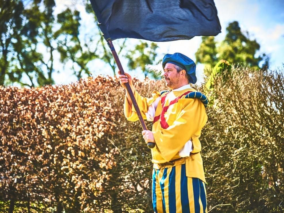 les alfers namurois aux jardins d'annevoie 2017 – 120 mm – Les costumes de Venise aux jardins d annevoie 2017 NIKON D800E 120 mm 42726 – avr. 30 2017 – NIKON D800E