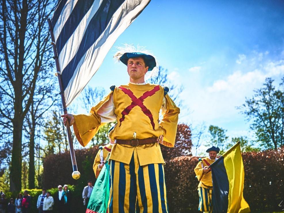 les alfers namurois aux jardins d'annevoie 2017 – 55 mm – Les costumes de Venise aux jardins d annevoie 2017 NIKON D800E 55 mm 42916 – avr. 30 2017 – NIKON D800E