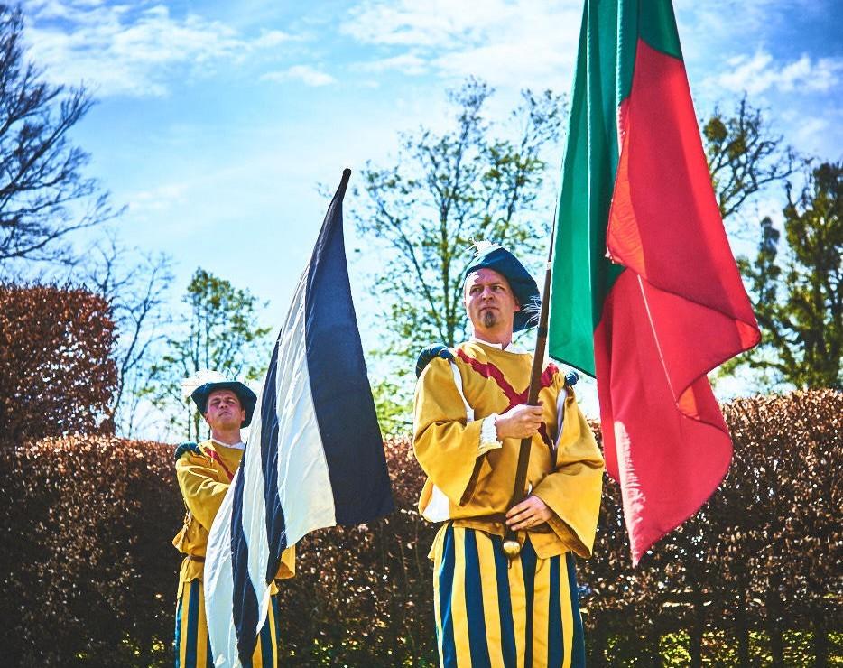 les alfers namurois aux jardins d'annevoie 2017 – 62 mm – Les costumes de Venise aux jardins d annevoie 2017 NIKON D800E 62 mm 42728 – avr. 30 2017 – NIKON D800E