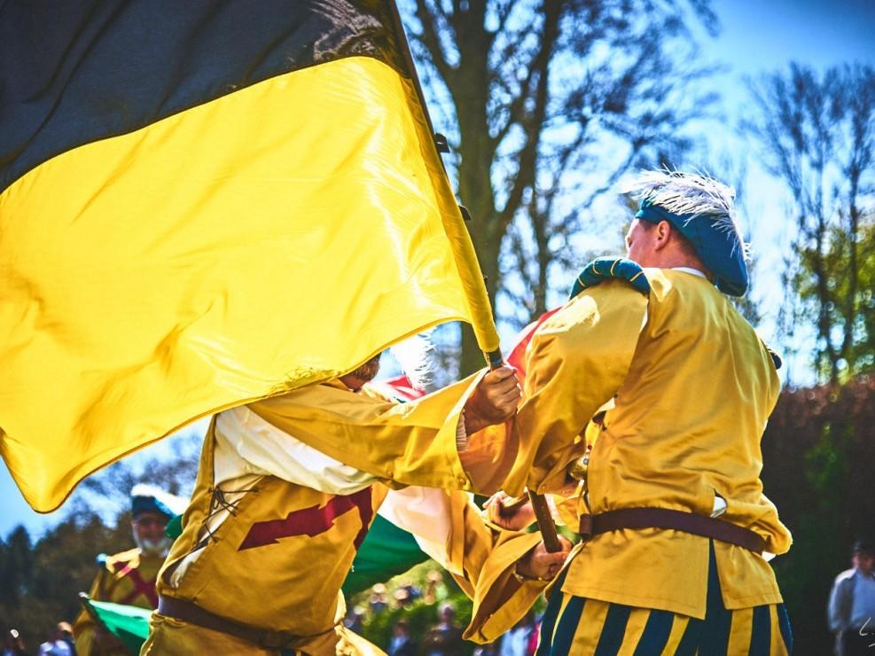 les alfers namurois aux jardins d'annevoie 2017 – 92 mm – Les costumes de Venise aux jardins d annevoie 2017 NIKON D800E 92 mm 42889 – avr. 30 2017 – NIKON D800E